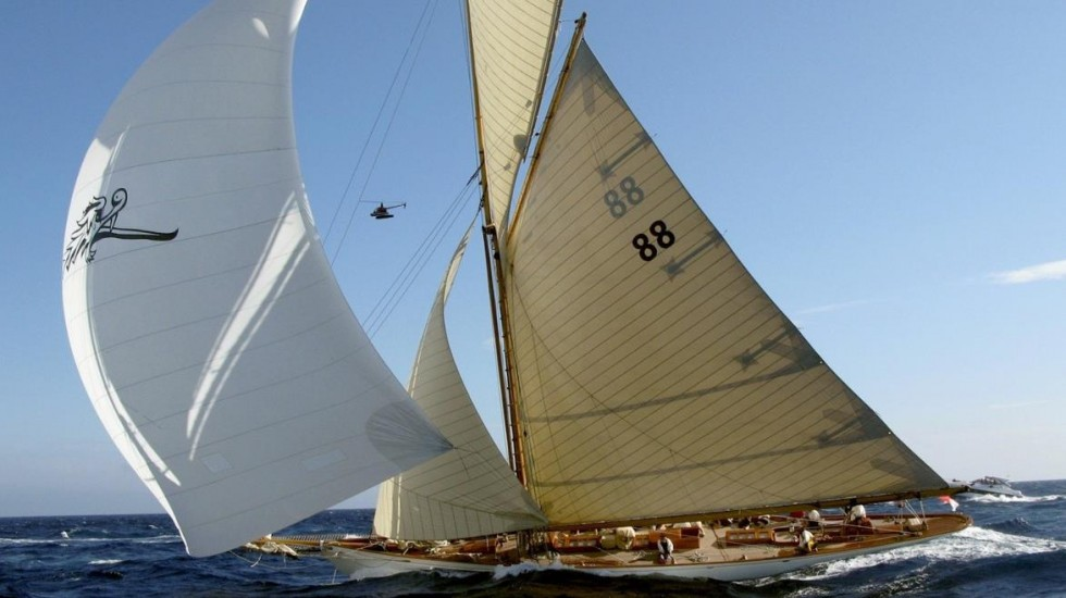 sport wooden sailing boat